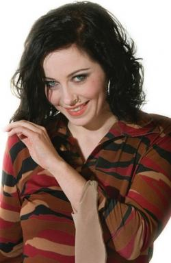 http://up2.it/Celebs/anneke-van-giersbergen.jpg